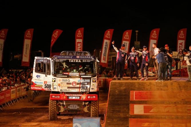 Jednačtyřicátý ročník Rally Dakar zahájen! Kolomý se Šoltysem se představili na podiu!