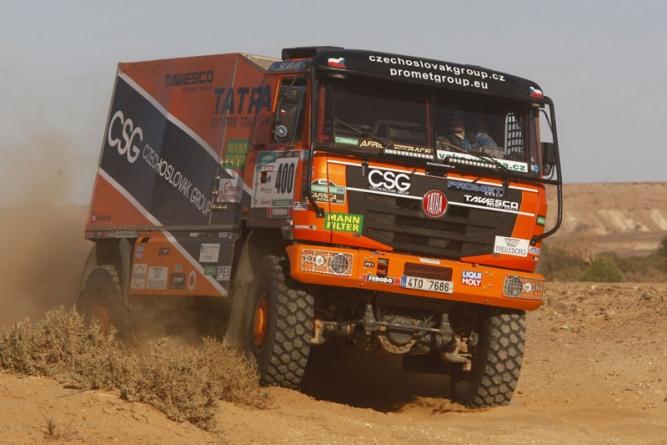 Tomáš Tomeček dorazil do cíle Africa Eco Race díky pomoci další Tatry v soutěži
