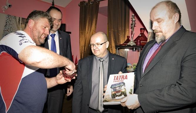 """Unikátní kniha """"Tatra v hlavní roli"""" byla pokřtěna"""