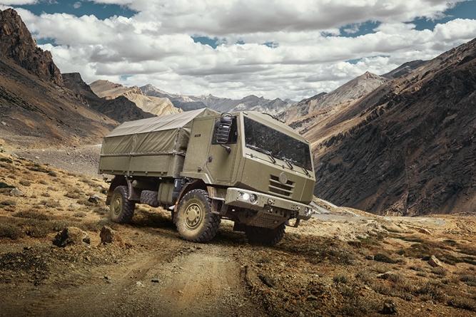 Firmy holdingu CSG a společnost TATRA TRUCKS se zúčastní veletrhu obranné techniky IDEX 2019 v Abu Dhabí