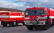 Hasiči převzali nová speciální vozidla na podvozcích TATRA