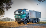 TATRA PHOENIX traktor 8x6 nosič výměnných nástaveb